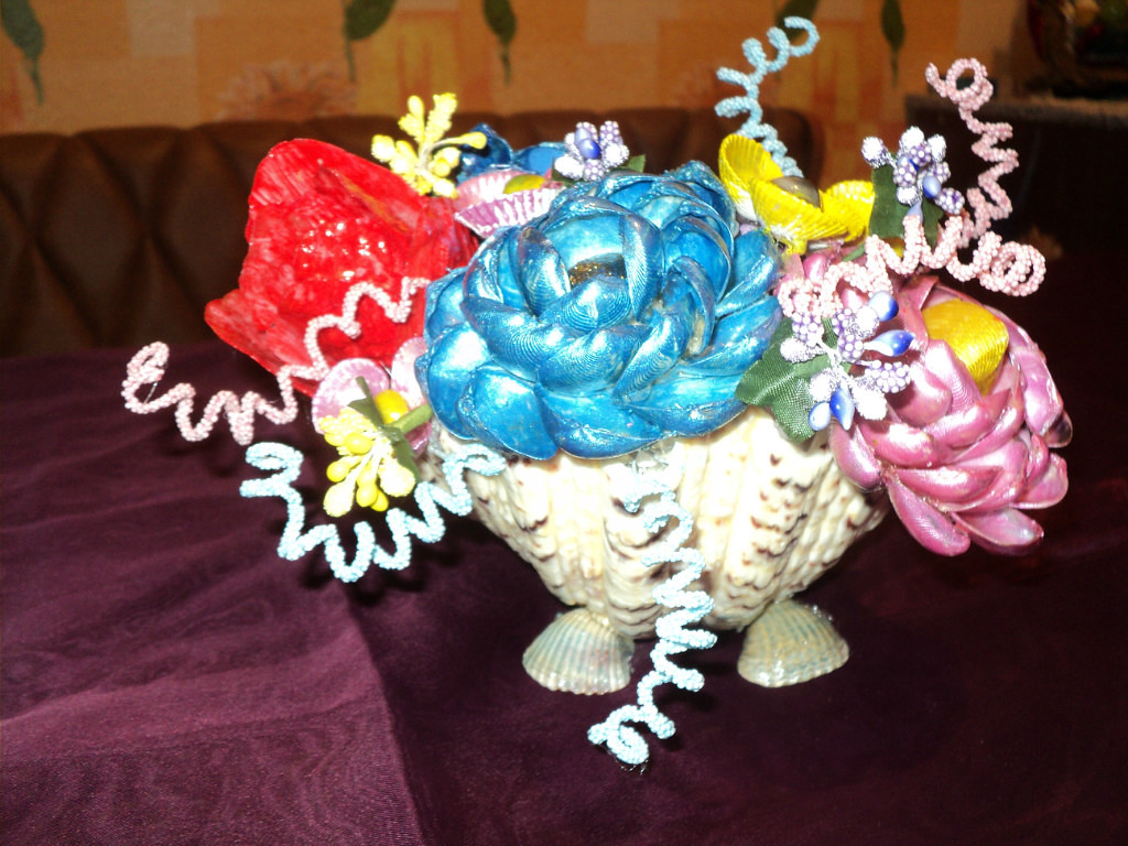 цветы из ракушек, мастер класс, мк, своими руками, панно из ракушек, поделки из природных материалов, украшение интерьера, варианты оформления ракушками в интерьере, декорирование ракушками, поделки из ракушек, поделки с детьми, красивые идеи создания цветов из ракушек, розы из ракушек, тюльпаны из ракушек, подснежники из ракушек, пионы из ракушек, орхидея из ракушек