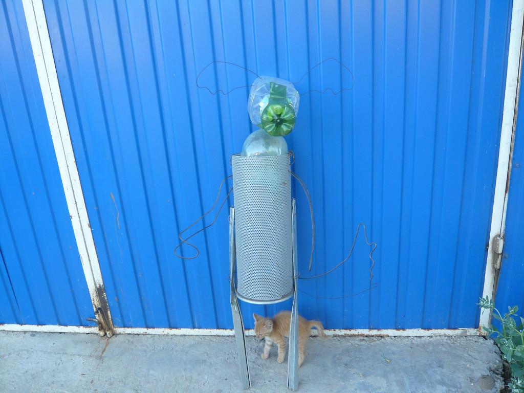 Садовые фигуры из пластиковых бутылок и монтажной пены. Мастер класс.