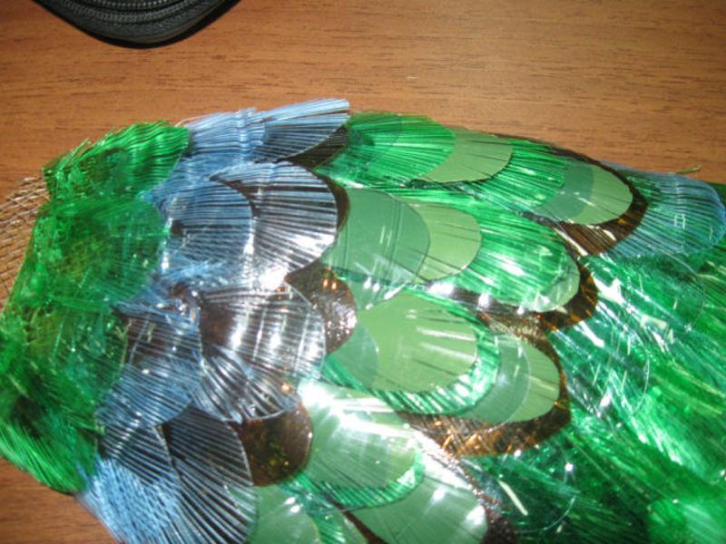 Пошагово как сделать павлина из пластиковых бутылок
