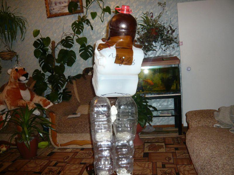Баба Яга из пластиковых бутылок и монтажной пены. Мастер класс.