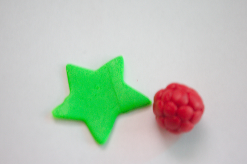 Ягоды из полимерной глины мастер класс + видео #9