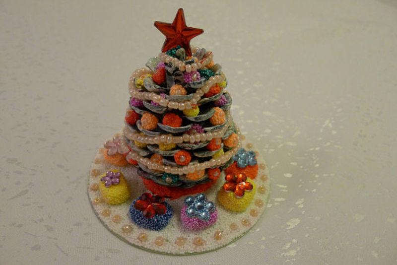 новогодние детские поделки.елочные украшения своими руками,украшения на елку,новогодние поделки из природных материалов,детские поделки,Новый год,праздники,елочные украшения из природных материалов,идеи к Новому году,новогодний декор,поделки из орехов