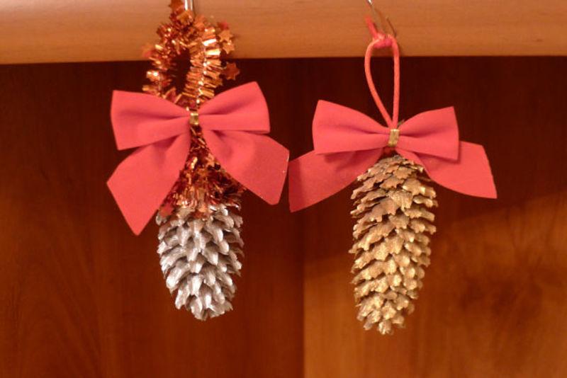 новогодние детские поделки.елочные украшения своими руками,украшения на елку,новогодние поделки из природных материалов,детские поделки,Новый год,праздники,елочные украшения из природных материалов,идеи к Новому году,новогодний декор,поделки из орехов,поделки из шишек